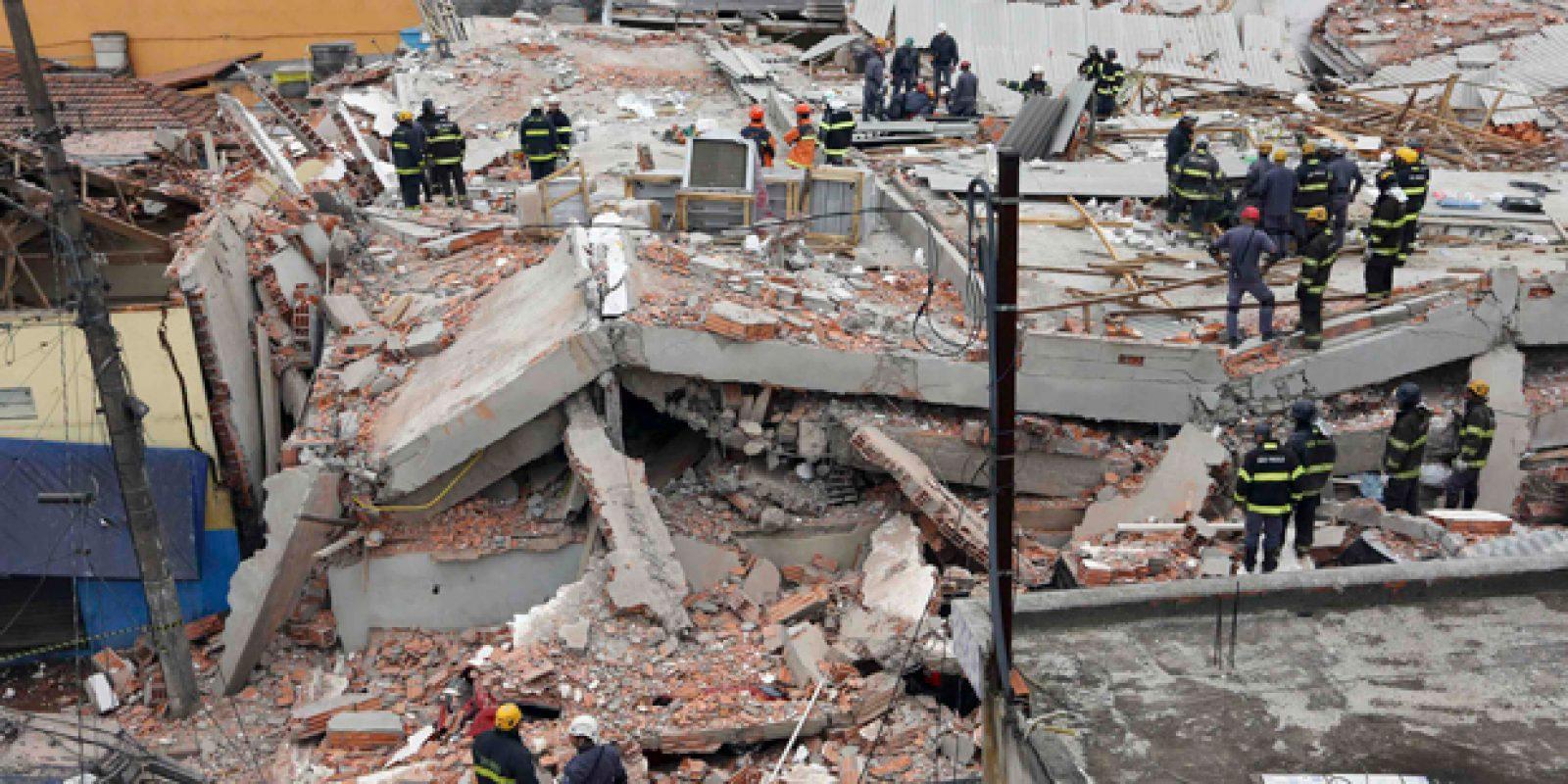 O desabamento de um prédio de dois andares provoca mortes na zona leste de São Paulo| Nacho Doce/ Reuters sao mateus