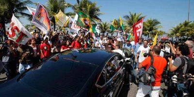 Manifestação-protesto-carro-governo-Rio-de-Janeiro-leilão-Sérgio-Moraes-Reuters