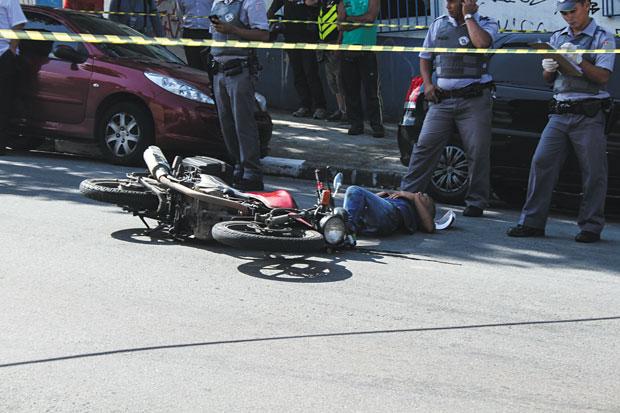 Suspeito foi baleado por policiais  | Carlos Pessuto/Brazil Photo Press/Folhapress