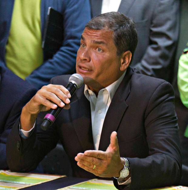 Rafael Correa anunciou que pedirá a renúncia de todo o ministério e que vai reestruturar seu grupo político   Guillermo Granja/Reuters