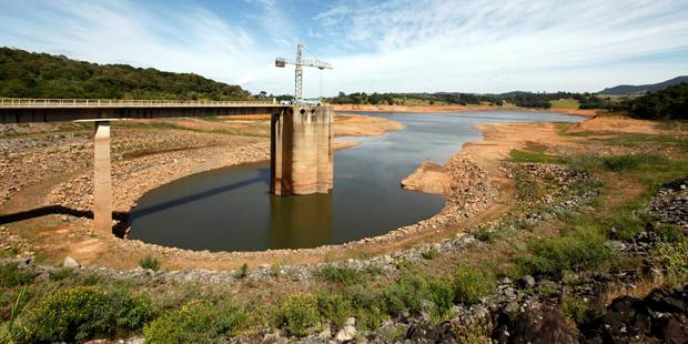 Os sistemas que abastecem as regiões Sudeste e Centro-Oeste do país estão com a menor quantidade de água desde 2001 | Paulo Whitaker/Reuters