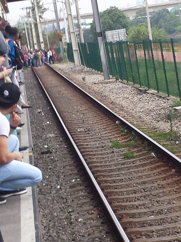 Cabos do trem partiram na estação Pinheiros | foto enviada pelo ouvinte João Bosco da Band News FM