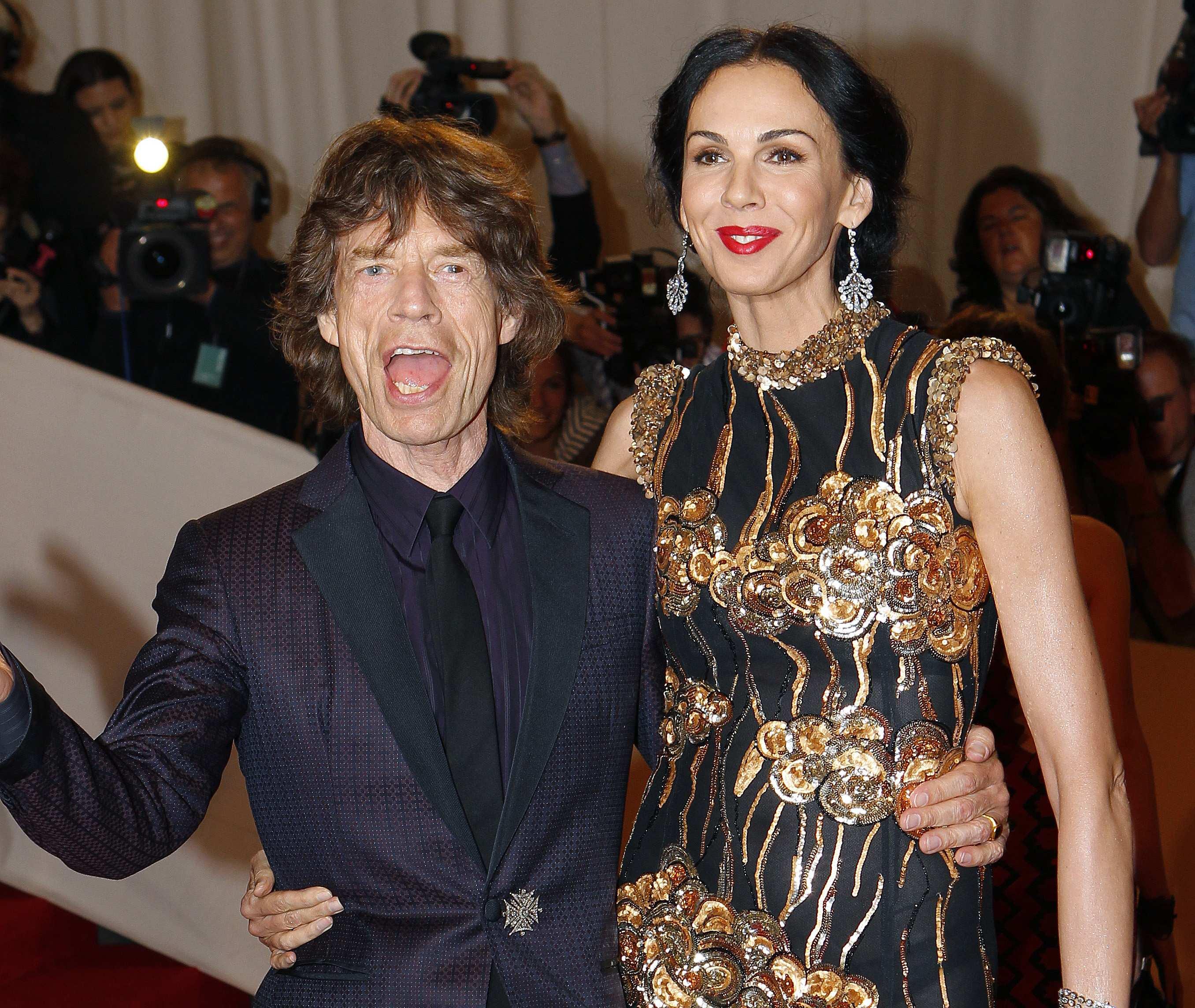 Foto de arquivo registra Mick Jagger e a namorada dele, a designer L