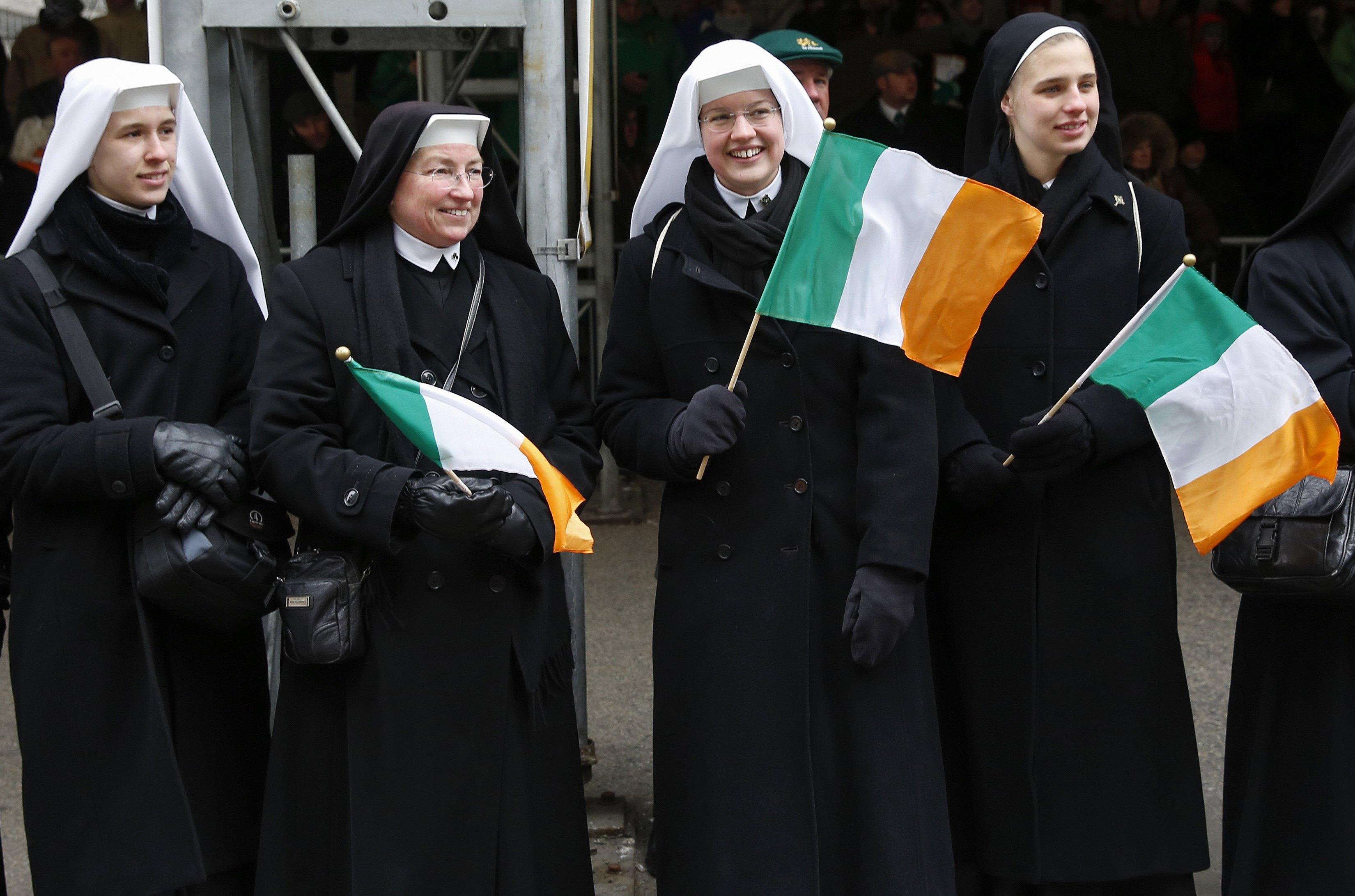 Freiras participam da parada pelo Dia de São Patrício, em Nova York (EUA) | Shannon Stapleton/Reuters