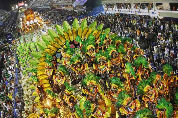Com problemas nos bastidores, Mocidade faz desfile morno / Ricardo Moraes / Reuters