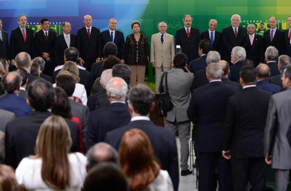 """""""Estou certa de que me ajudarão a fazer de 2014 um ano profícuo para o país"""", disse a presidenta Dilma durante a posse dos seis novos ministros - Divulgação/ Agência Brasil"""