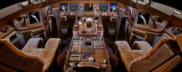 Painel do Boing 777-200 semelhando ao do avião que desapareceu | Nick Gleis/Reuters
