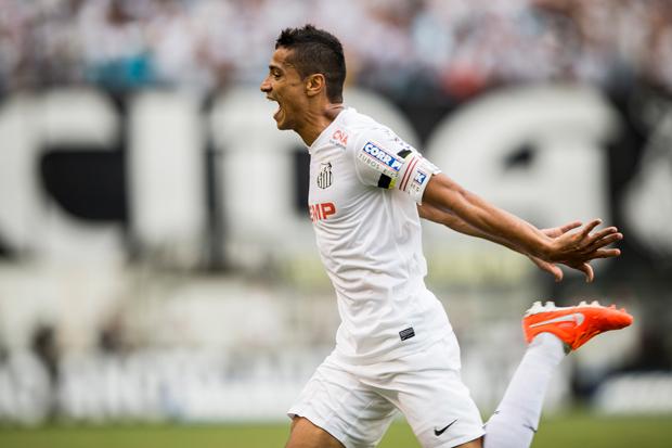 Cídero fez o primeiro gol da partida | Adriano Vizoni/Folhapress