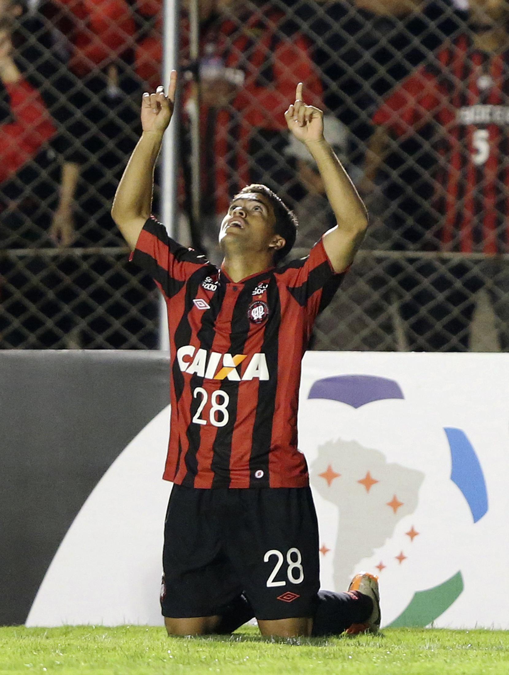 Felipe comemora o primeiro do Atlético-PR | Rodolfo Buhrer/Reuters
