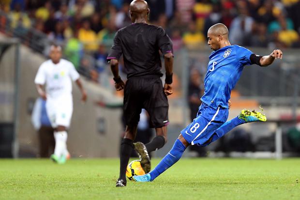 Fernandinho se destacou no amistoso contra a África do Sul | Jefferson Bernardes/VIPCOMM