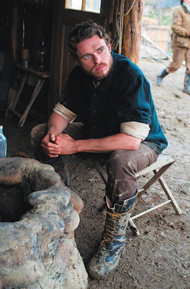Richard Madden protagoniza 'Klondike', que estreia no Discovery | Divulgação