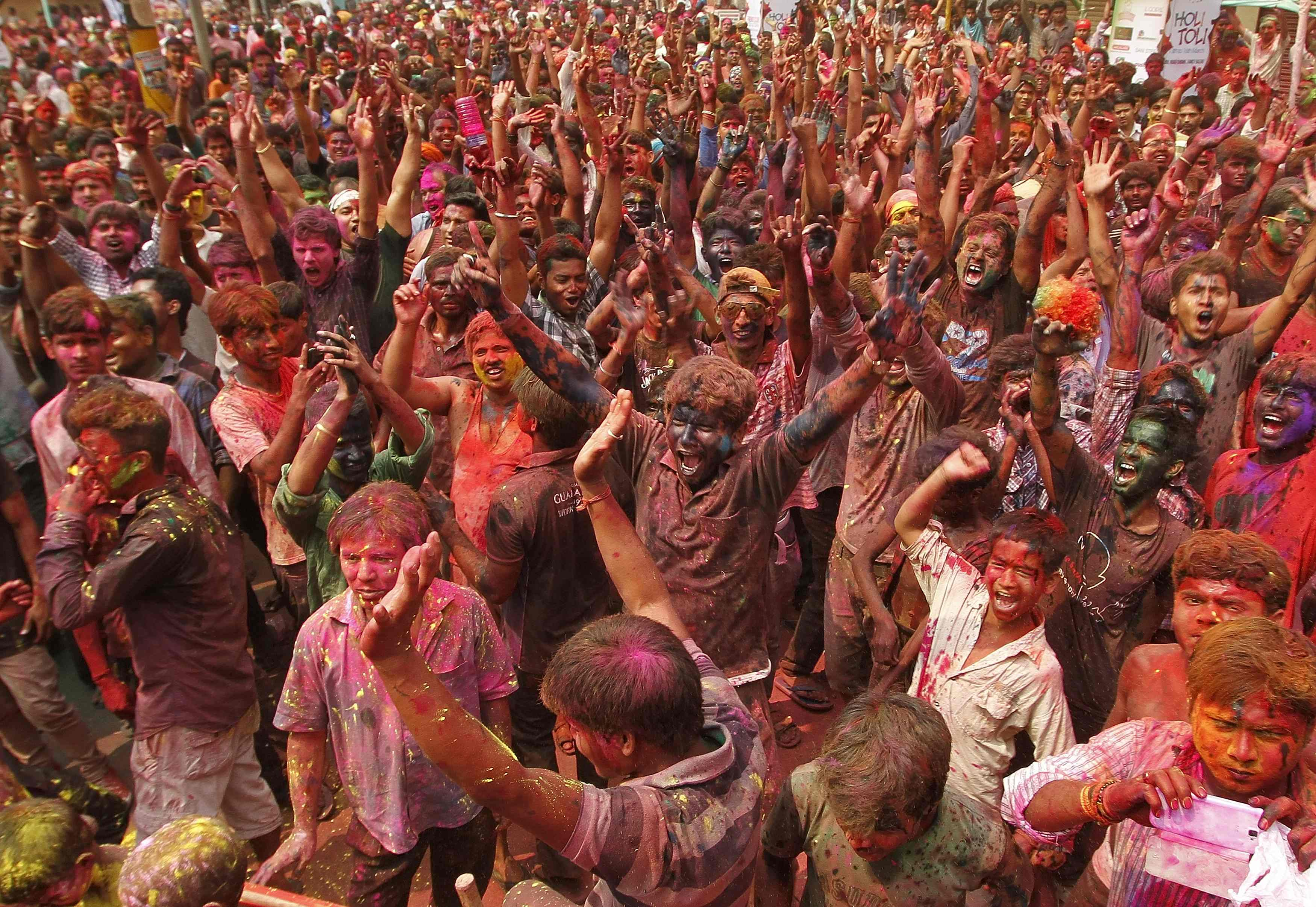 Festival de Cores comemorar a chegada da Primavera na Índia - Utpal Baruah/ Reuters