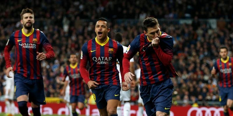 Messi (dir.) foi o destaque da vitória do Barça no clássico | Sergio Perez/Reuters