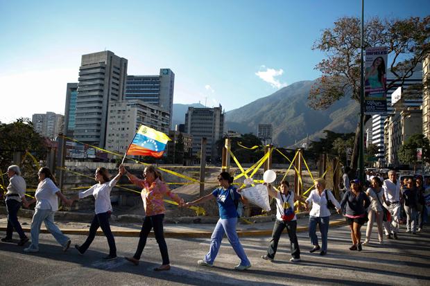 mvenezuela-protestos-foto-carlos-garcia-rawlins-reuters620