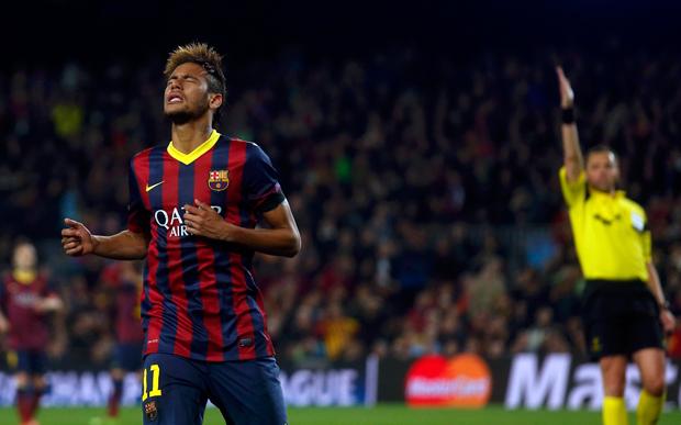 Apagado, Neymar chegou a ser vaiado pela torcida | Albert Gea/Reuters
