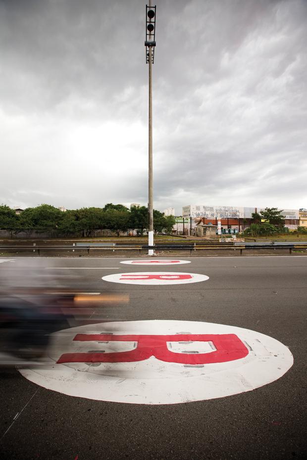 Sinalização na avenida Abraão de Moraes  | André Porto/Metro