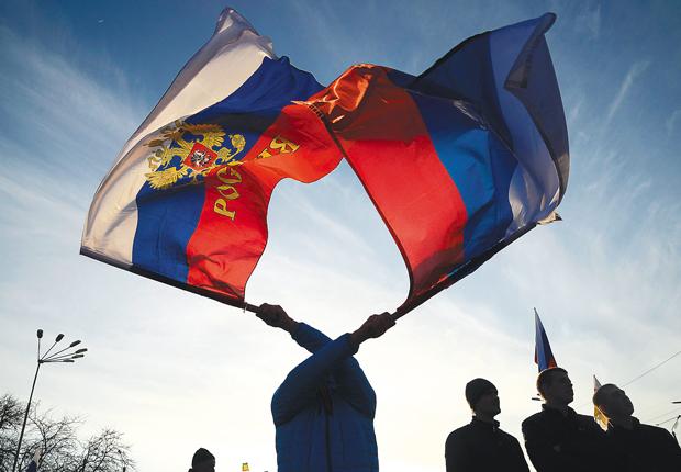 Ativistas pró-Rússia fazem manifestação em Yevpatoria | Maks Levin/Reuters