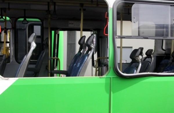 Oito veículos foram depredados somente na madrugada desta quarta-feira | Gustavo Magnusson/Divulgação Transurc