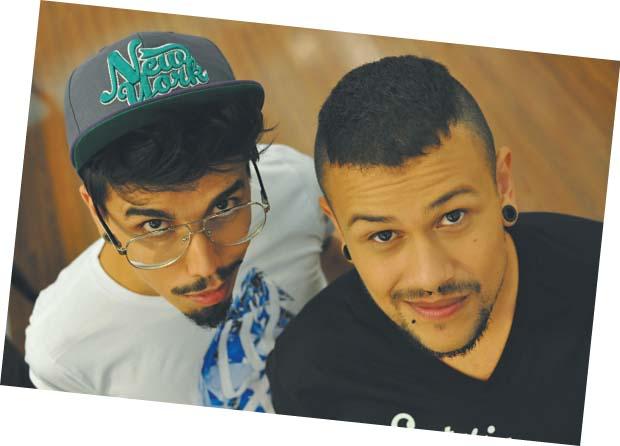 Eduardo Camargo  e Filipe Oliveira são os criadores da página, que tem Marilyn Monroe como  sua maior musa | Divulgação