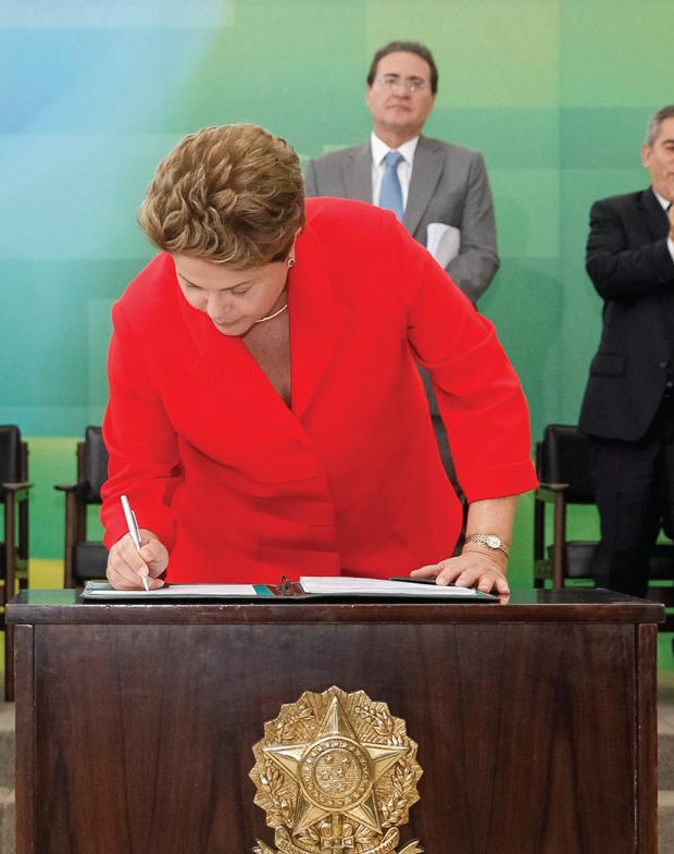DIlma assinou novo marco regulatório das Ongs | Roberto Stuckert Filho/PR