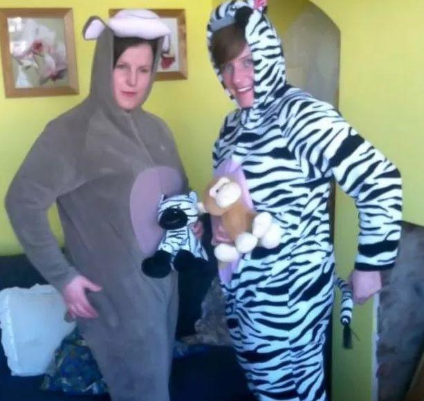 Tracy Griffin e Terri Cave foram condecoradas ao deterem criminoso em supermercado / Reprodução/Facebook/Solihull Police