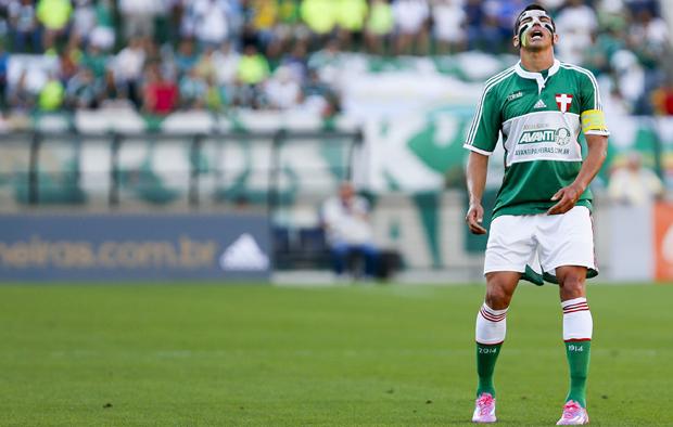 Lúcio, que jogou de máscara contra o Bahia | Miguel Schincariol/Folhapress