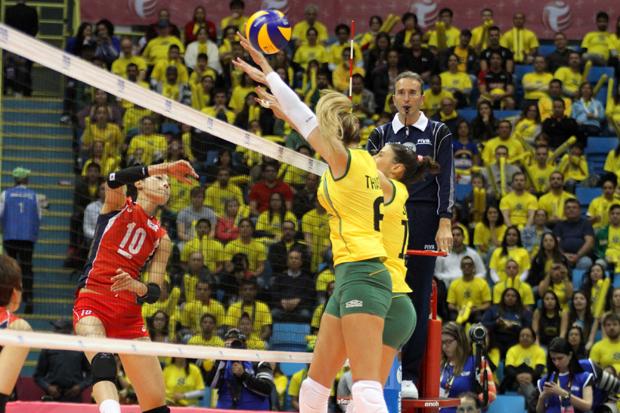 Bloqueio brasileiro funcionou contra a Coreia   Divulgação/FIVB