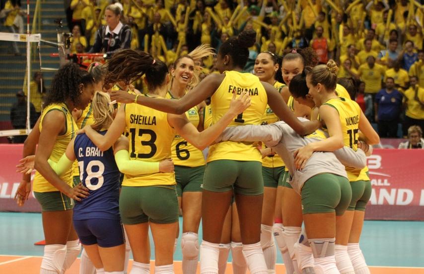 Brasileiras comemoram a vitória sobre a Rússia | Divulgação