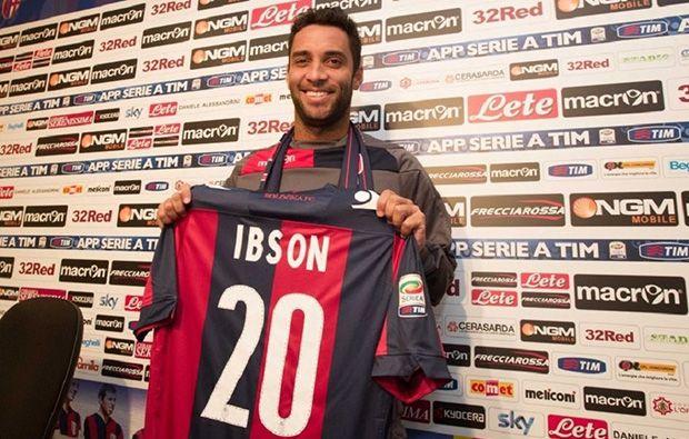 Ibson na apresentação ao Bologna | Divulgação