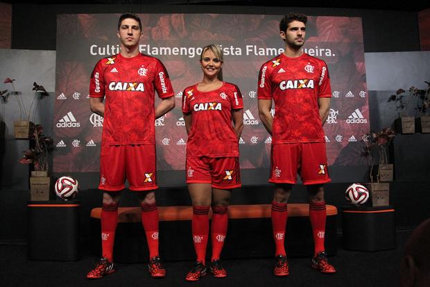 Uniforme estará à venda nas lojas oficiais do clube a partir desta sexta-feira | Gilvan de Souza / Flamengo