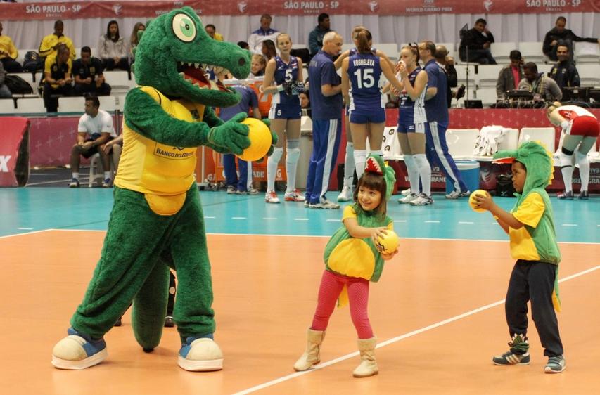 Mascotes do Brasil fizeram a festa durante o intervalo | Divulgação