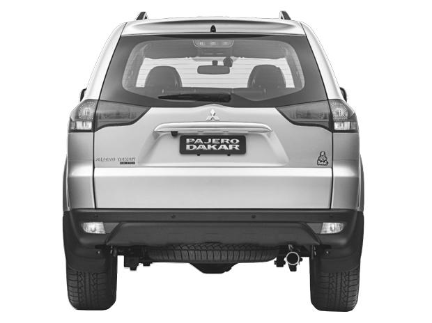 180 cavalos é o quanto o propulsor da versão a diesel da Pajero Dakar 2015 gera. Já versão flex gera 205 cavalos