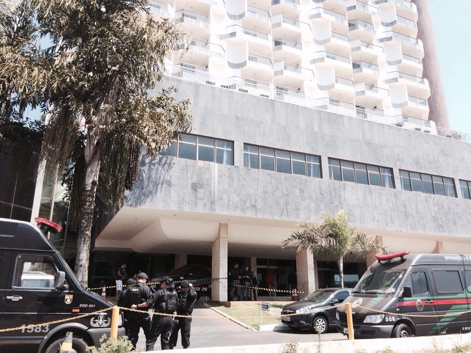 Mais de 100 policias estão no local | BandNews FM