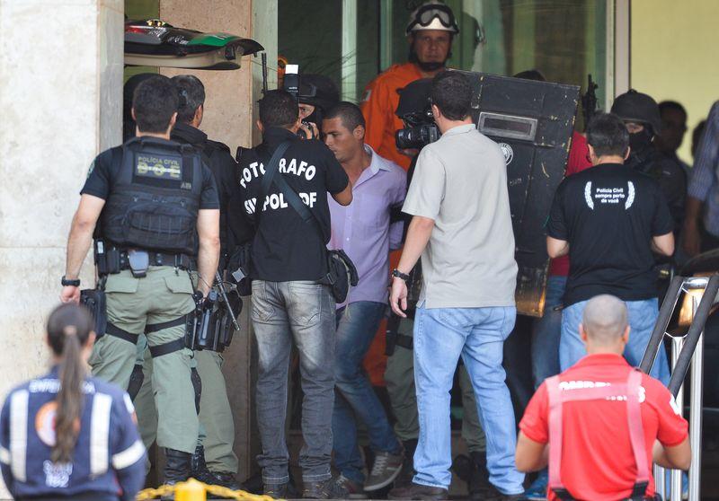 Sequestrador Jackson se entrega à polícia após 8 horas | Souza dos Santos Fábio Henrique Pozzebom/Agência Brasil
