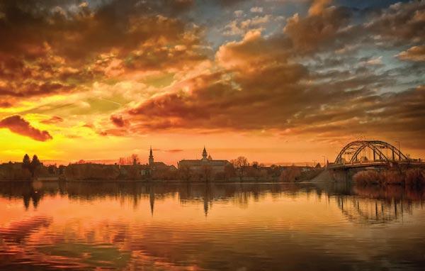 Pôr-do-sol húngaro. Categoria: Magia da Cidade | Kati Királyné/Hungria
