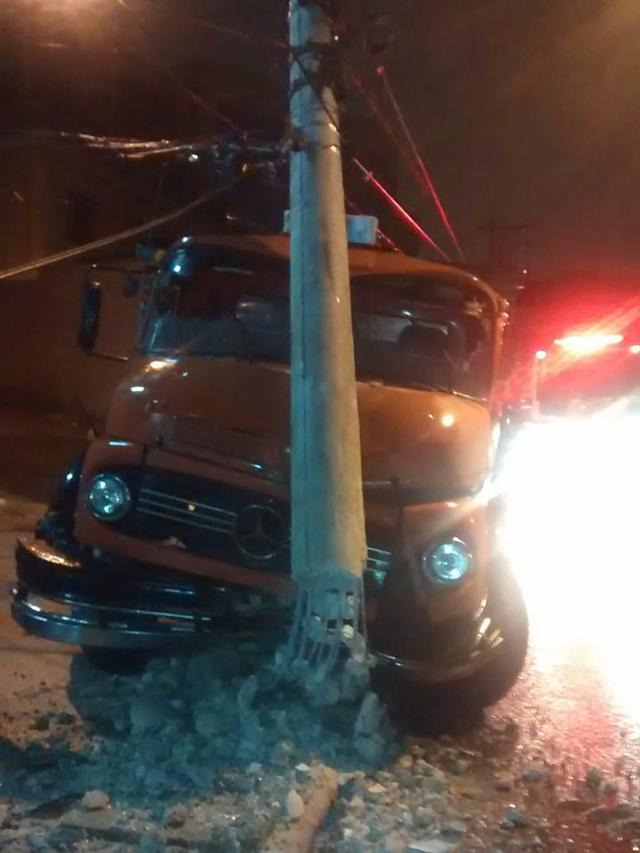 Acidente aconteceu na marginal Tietê | Renato/ouvinte SulAmérica Trânsito