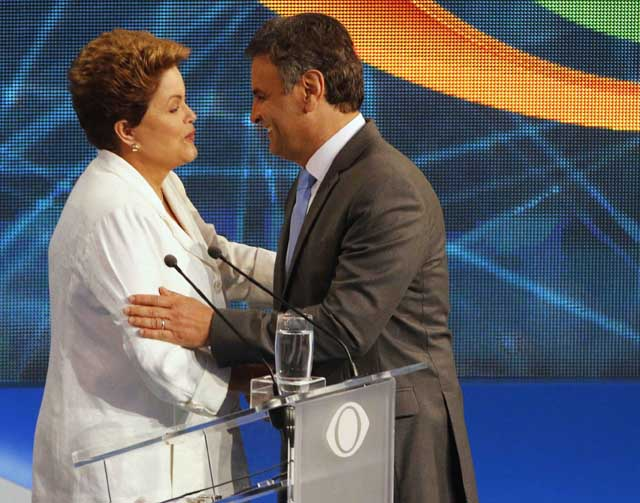 Dilma e Aécio logo após o debate | Paulo Whitaker/Reuters