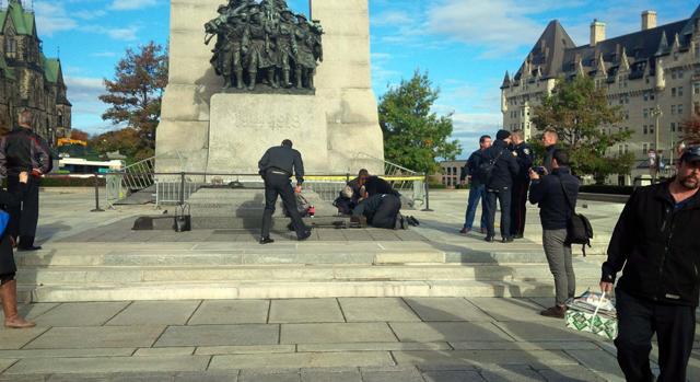 Soldado foi baleado no memorial de guerra | Daniel Thibeault/CBC/Reuters