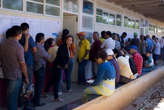 Eleitores enfrentam filas para votar em Gama, DF | Pedro França/ Agência Senado