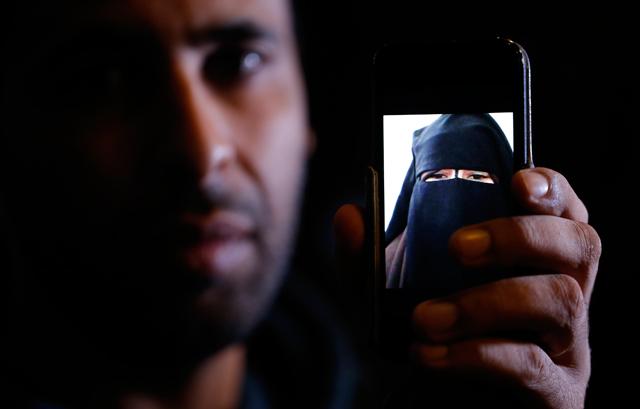 Foad está convencido de que sua irmã Nora só ficou na Síria por ter sido ameaçada do líder do grupo | Christian Hartmann/Reuters