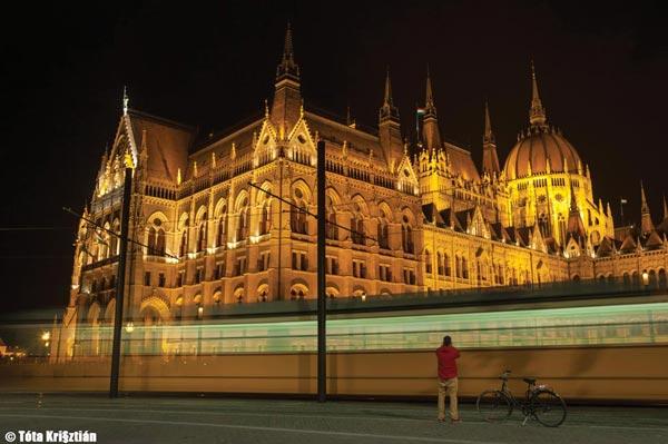 Magical Mystery Tour em Budapest - Categoria: Magia da Cidade   Krisztián Tóta/Hungria