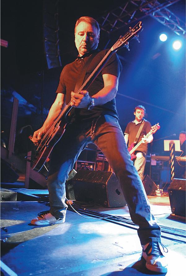 Ex-músico do Joy Division e New Order apresenta repertório das bandas | Divulgação