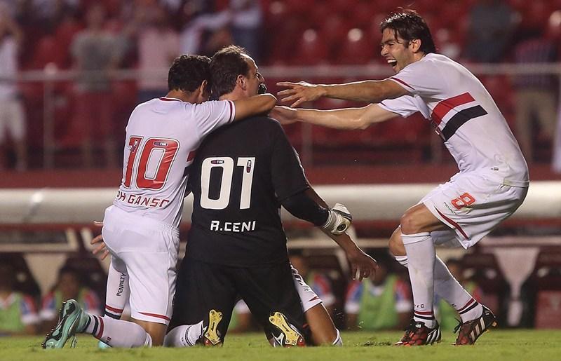 Ganso e Rogério Ceni marcaram os gols do São Paulo | Rubens Chiri/Divulgação