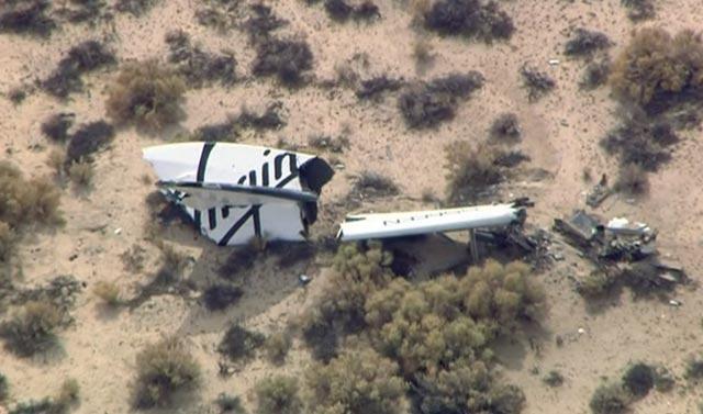 Destroços da Virgin Galactic no deserto de Mojave | Reprodução TV/Reuters