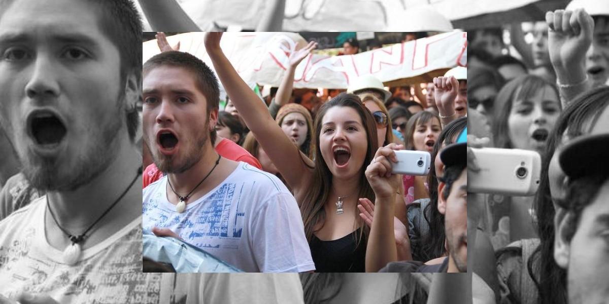 Más de 2 mil estudiantes de la U.Central marcharon hasta el Mineduc