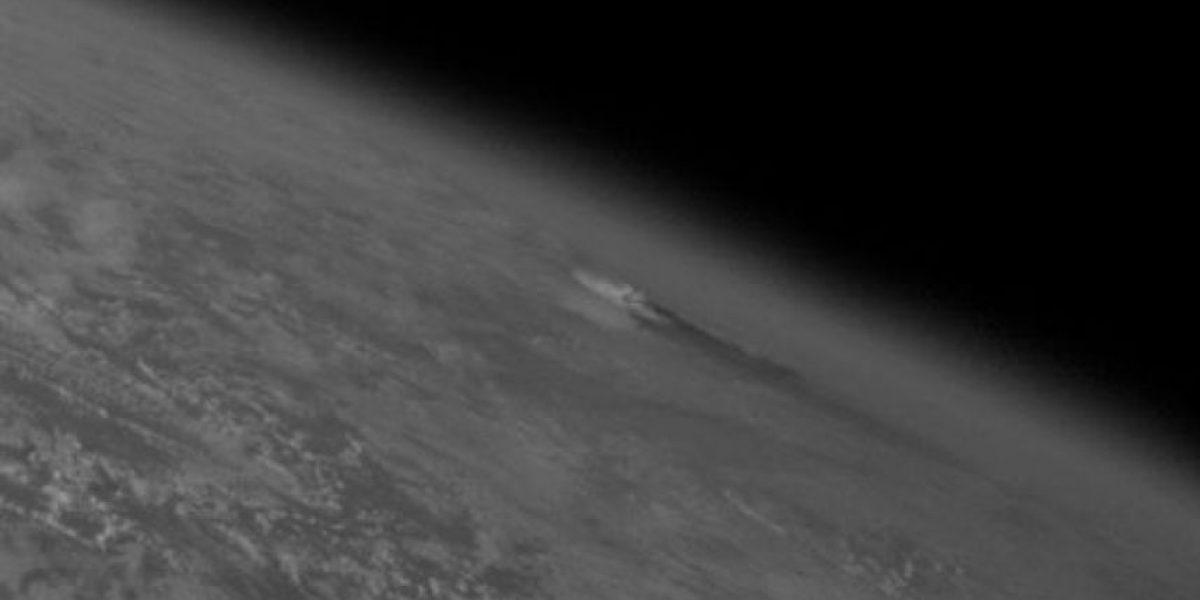 [FOTOS] Muestran la erupción de volcán islandés  desde el espacio