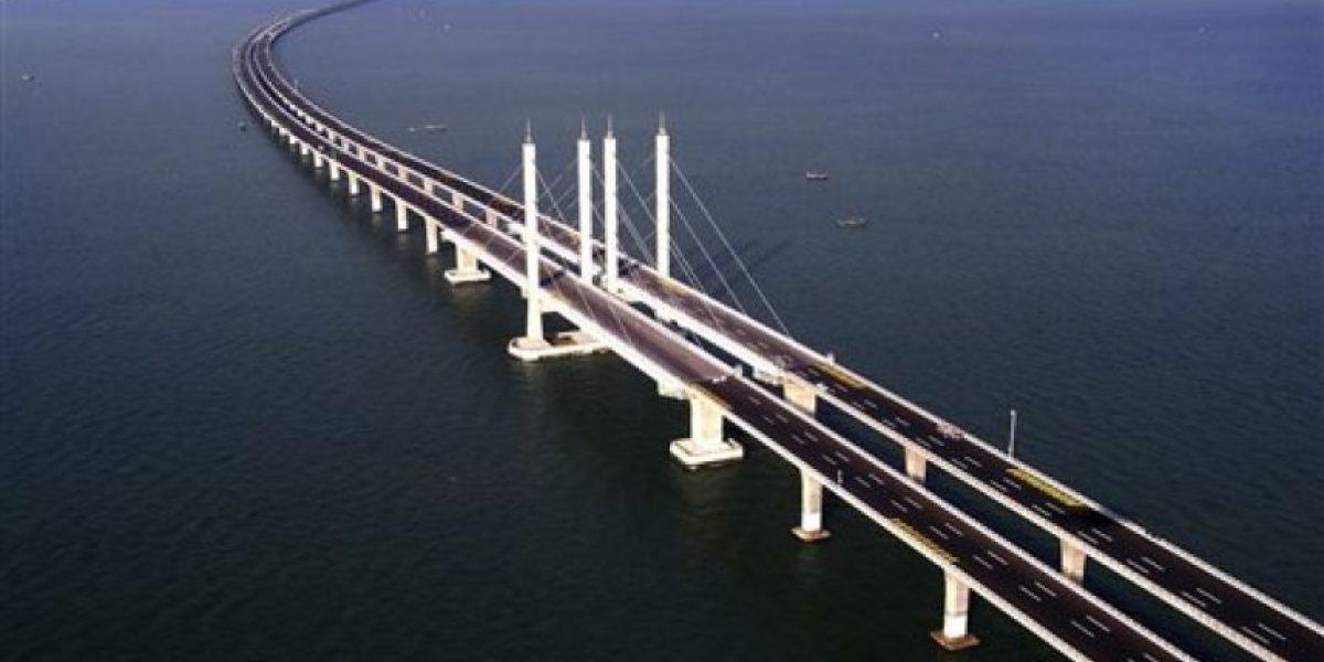 Inauguran en China el puente sobre el mar más largo del mundo