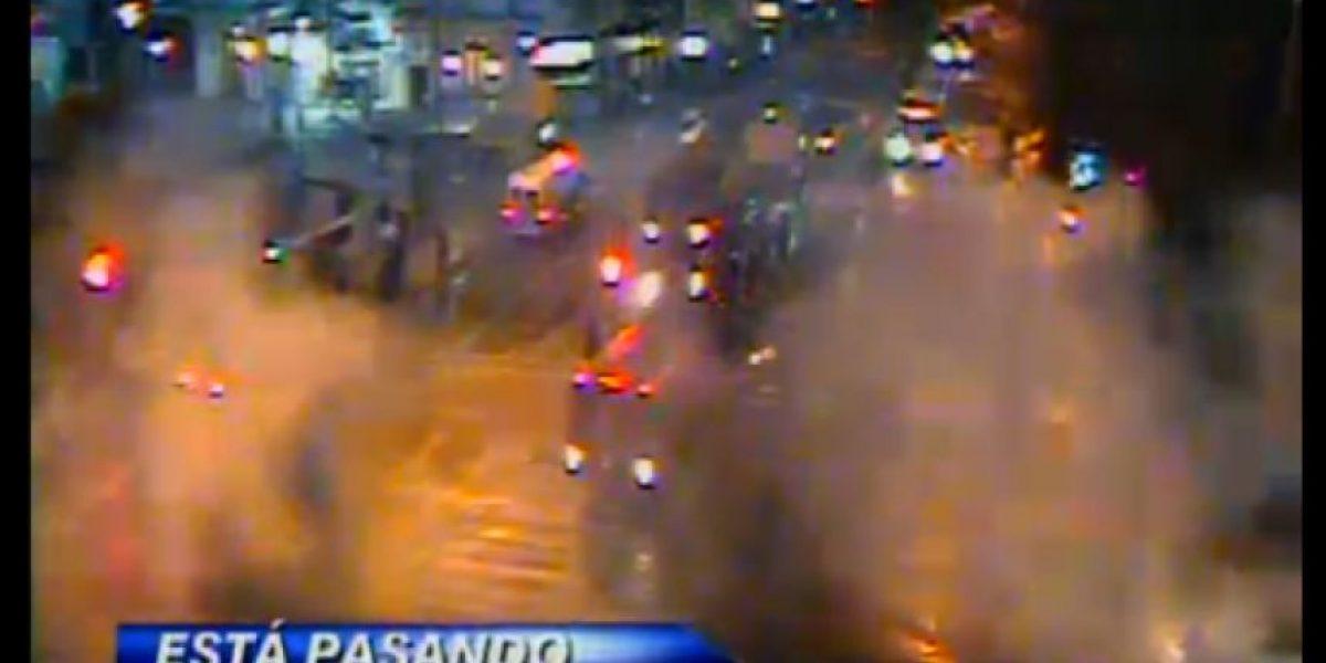 Ahora: Carabineros dispersa a manifestantes con lacrimógenas y carros lanzaaguas