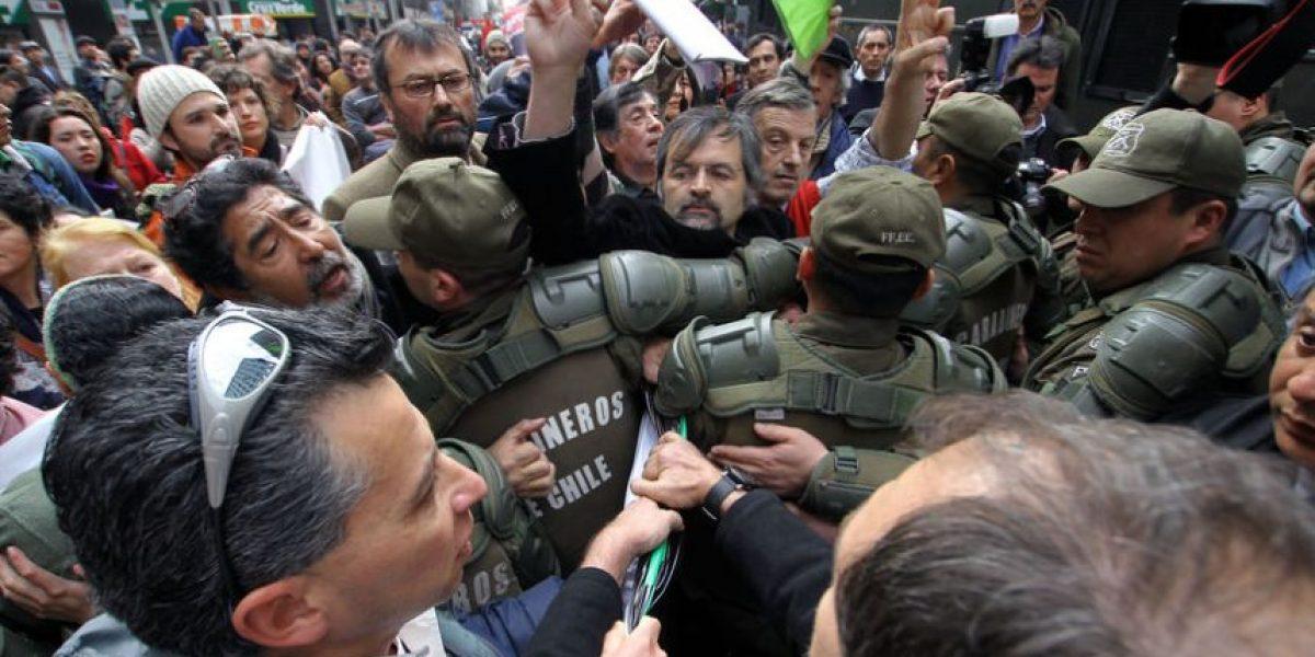 [FOTOS] Incidentes en la entrega de 100 mil firmas contra HidroAysén