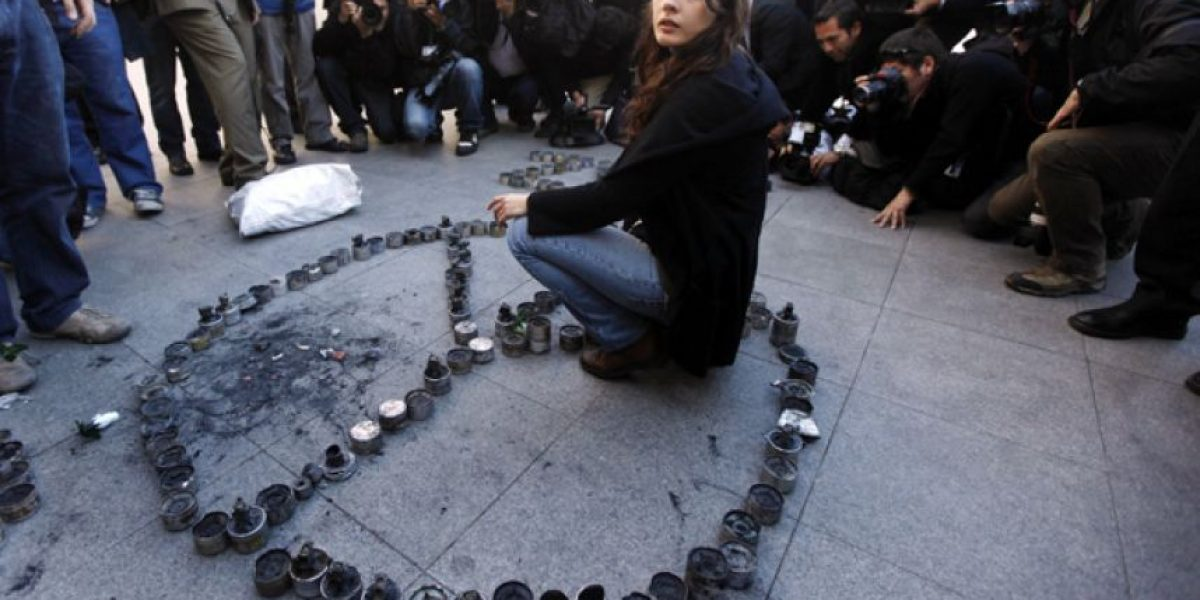 Camila Vallejo devuelve lacrimógenas en La Moneda y rechaza mediación de iglesia